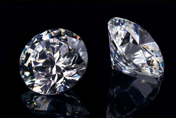 Come scegliere un diamante da investimento: le 4C. Carat, color, clarity e cut