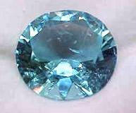 L'acquamarina: caratteristiche e significato della pietra azzurra