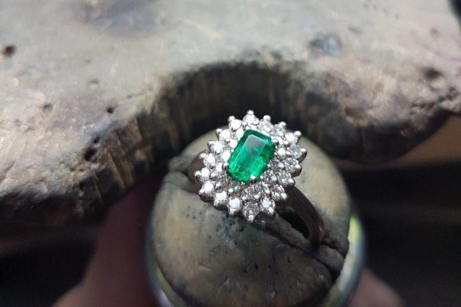 Cornice di smeraldo